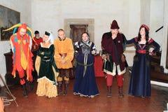 Aktorzy w historycznych kostiumach obrazy stock