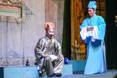Aktorzy wykonuje tradycyjni chińskie operę na ducha festiwalu Obrazy Stock