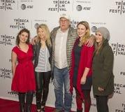 Aktrins Nikki Blonsky Joins Chevy Chase och familjen för ` Dog års`-rastrering på den Tribeca filmfestivalen 2017 Arkivfoton
