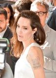 Aktris Angelina Jolie på premiären av ` familjeförsörjare`en för TIFF17 royaltyfri fotografi