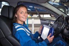 Aktualizować deskowego komputer samochód zdjęcia stock