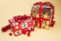 aktuell weihnachtsgeschenke för jul Arkivbilder
