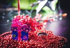 aktuell weihnachtspakete för jul Arkivfoto
