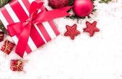 aktuell weihnachtspakete för jul Arkivbild