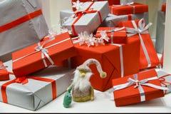aktuell weihnachtspakete för jul Royaltyfri Bild