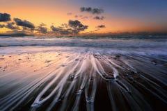 Aktuella linjer på kuststenar fotografering för bildbyråer