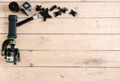 Aktywna kamera Na stole Drewniany tło piękny taniec para strzału kobiety pracowniani young Fotografia Royalty Free