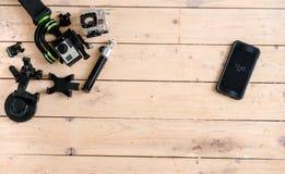 Aktywna kamera Na stole Drewniany tło piękny taniec para strzału kobiety pracowniani young Obrazy Royalty Free