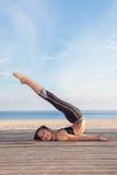 Aktywna młodej dziewczyny gimnastyczka Obraz Royalty Free