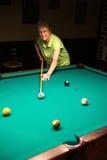 Aktywni Starsi kobieta basenu Billiards Obraz Royalty Free