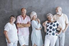 Aktywny senior mody oświadczenie obrazy royalty free