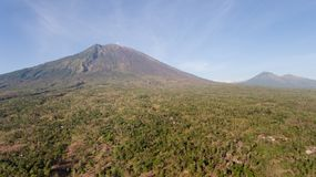Aktywny wulkan Gunung Agung w Bali, Indonezja Zdjęcie Stock