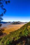 Aktywny wulkan W Wschodnim Jawa Indonezja zdjęcie royalty free