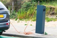 Aku het laden post voor elektrische voertuigen Royalty-vrije Stock Fotografie