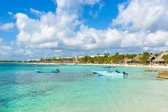 Akumal - bah?a del para?so con la playa blanca hermosa, cerca de Cancun, Yucat?n, M?xico fotografía de archivo
