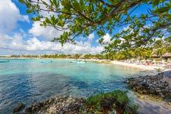 Akumal - bah?a del para?so con la playa blanca hermosa, cerca de Cancun, Yucat?n, M?xico imagen de archivo