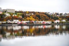 Akureyri in de herfst van IJsland Royalty-vrije Stock Foto