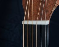 Akustikgitarre-Nuss lizenzfreie stockbilder