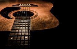 Akustisk gitarr, idealt bruk för bakgrund Arkivfoto