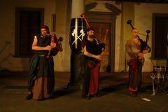 Akustisk konsert av den barbar- rörmusikbandet Royaltyfri Bild