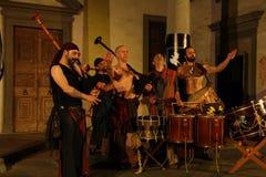 Akustisk konsert av den barbar- rörmusikbandet Arkivfoton