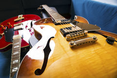 Akustiska gitarrer royaltyfria bilder