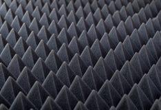 Akustiskt absorberande skum för studioinspelning Pyramidform Arkivfoton
