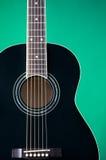 akustyczna czerni zieleni gitara Zdjęcia Royalty Free