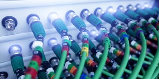 Akustyczny audio kabla serwer audio kabla zieleń Wiele akustyczni kable Ð ¡ oaxial kabel dla dane przekazu serweru z bliska royalty ilustracja