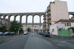Akvedukt i Arcueil-Cachan, Paris, i morgonen Fotografering för Bildbyråer