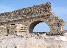 Akvedukt i Caesarea Royaltyfria Foton