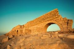 Akvedukt i Caesarea, Israel Arkivbild
