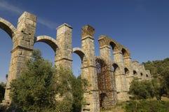 akvedukt roman greece fotografering för bildbyråer