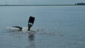 Akwalungu nurek nurkuje pod wodą zbiory