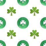 Akwareli St Patrick ` s dnia koniczyny bezszwowy wzór Obrazy Stock