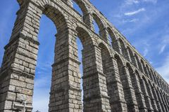 akwedukt rzymski Segovia architektoniczny zabytek oznajmiający patri obraz stock