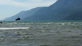 Akyaka Turkiet, Kitesurfer drake som surfar på havet lager videofilmer