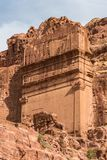 Al首都开掘的帝国乔丹khazneh做nabataeans期间petra岩石罗马坟茔 库存图片