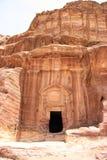 Al首都开掘的帝国乔丹khazneh做nabataeans期间petra新生岩石罗马坟茔 免版税库存照片