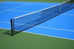 Al aire libre campo de tenis Fotos de archivo libres de regalías