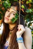 Al aire libre retrato del verano de la chica joven hermosa Foto de archivo libre de regalías