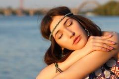 Al aire libre retrato del verano de la muchacha adolescente joven hermosa Imagen de archivo