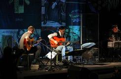 Al Di Meola-Ausführung Live auf dem Kijow Mittestadium in Krakau, Polen stockbilder