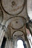 Al di sotto del portico alla basilica di Sacre Coeur, Parigi, Francia immagine stock