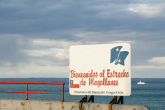 Al Estrecho de Magellanes - Чили Bienvenidos положительного знака пролива Magellan Стоковые Изображения