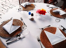 Al fresco dining table setting Royalty Free Stock Photos