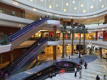 Al Ghurair City Shopping Mall i Dubai Royaltyfri Foto