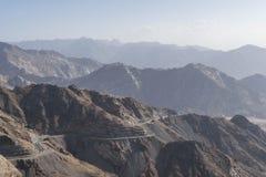 Al Hada Mountain i den Taif staden, Saudiarabien med härlig sikt av den berg- och Al Hada vägen inbetween bergen Royaltyfri Foto