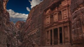 Al Khazneh - de schatkist, oude stad van Petra, Jordanië stock videobeelden