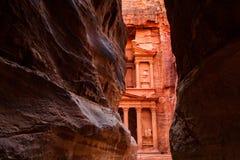 Al Khazneh - der Fiskus, alte Stadt von PETRA, Jordanien Stockfotos